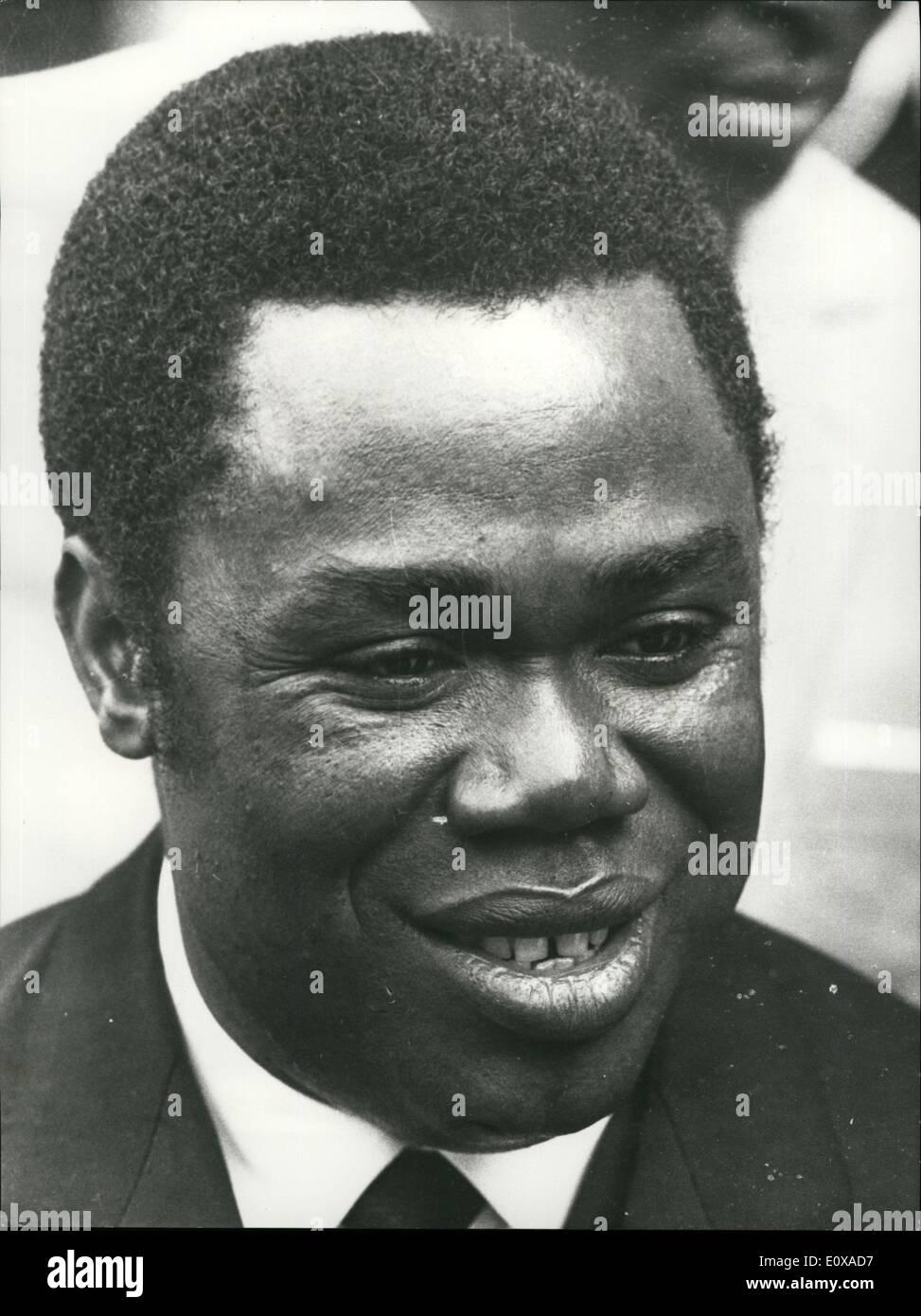 1. Januar 1966 - Veranstaltungen in Afrika: Präsidenten Dacko gestürzt: einen militärischen Staatsstreich fand in Bangui 9Captial der Zentralafrikanischen Republik) gestern. Präsidenten Dacko wurde unter Überwachung gestellt. Foto zeigt ein aktuelles Bild des Präsidenten Dacko. Stockbild