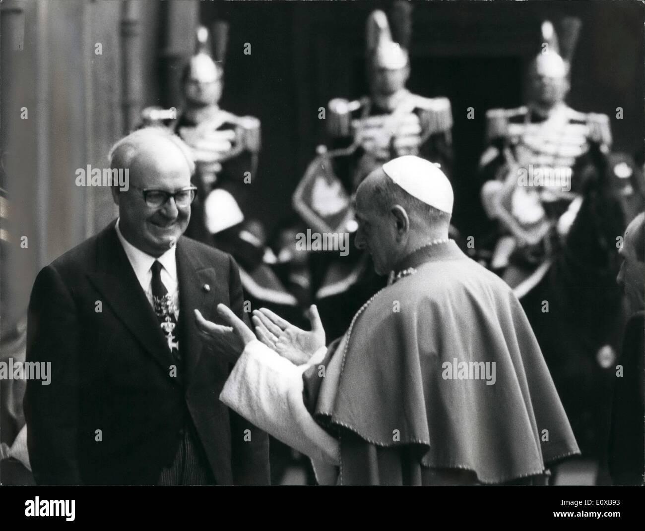 Photo Shows Pope Stockfotos & Photo Shows Pope Bilder - Seite 2 - Alamy