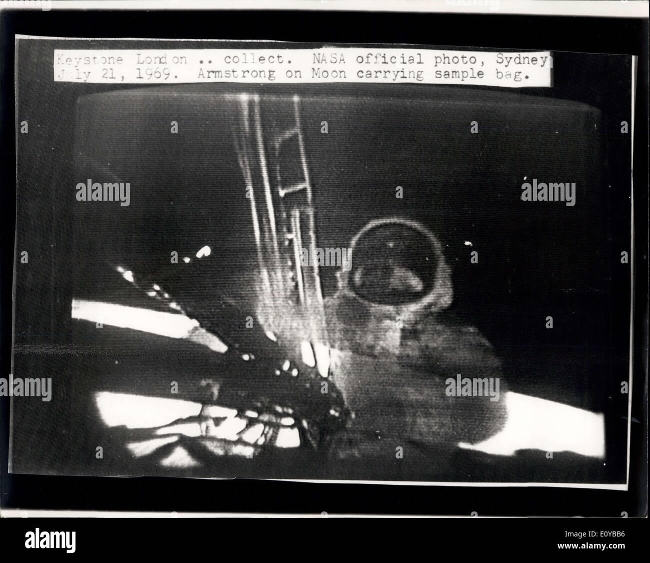 21. Juli 1969 - Man On The Moon: Foto zeigt diese NASA offizielle Bild, funkte nach London aus Sydney, Australien, Stockfoto
