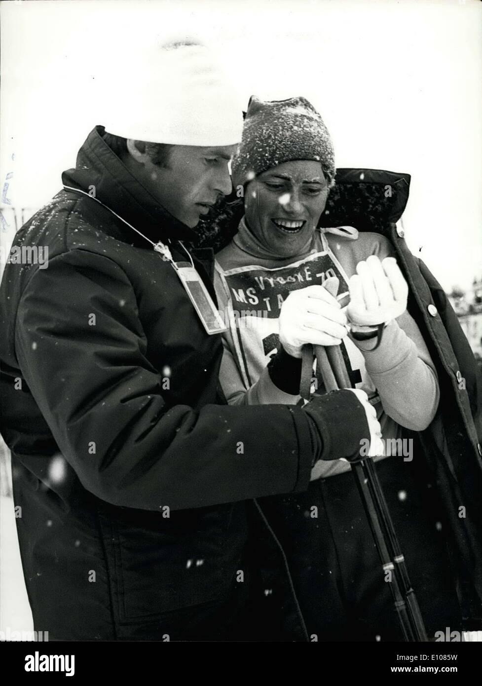 19. Februar 1970 - Weltmeister in der nordischen Ski Veranstaltungen - 5. Tag: am 18. Februar war die einzige Veranstaltung der aktuellen WM der Damen 10 Kilometern cross Country Rennen. 44 Mädchen Skifahrer aus 14 Ländern führen die Gleise unter sehr ungünstigen Frost und Schneefall. Trotz dieser Wetterbedingungen war der Kurs interessant, sehr schnell und dramatisch. Die Top-Platzierungen des Rennens, wo die sowjetische Skifahrer eine fantastische Geschwindigkeit durchgeführt. Olyunina aus den zweiten Platz kämpfte in der ersten und Kulakova, aus dem 13. erweitert, auch um den 3. Platz Stockbild