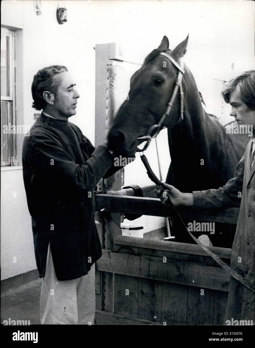 11. November 1972 - Chirurg Mill Reef Ankündigung operiert zu Haus beenden: Herr Edwin James Roberts, 54, das Stockbild
