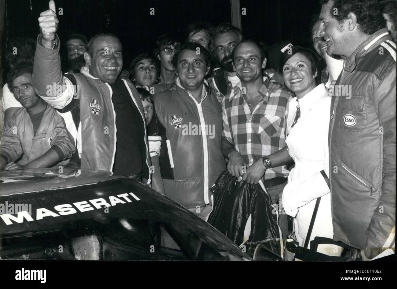 Sept. 23, 1974 - Guy Ligier ist hier zu sehen mit Nicolas, Rives, Daniche und Jaubert bei seiner Ankunft in Nizza. An Stockbild