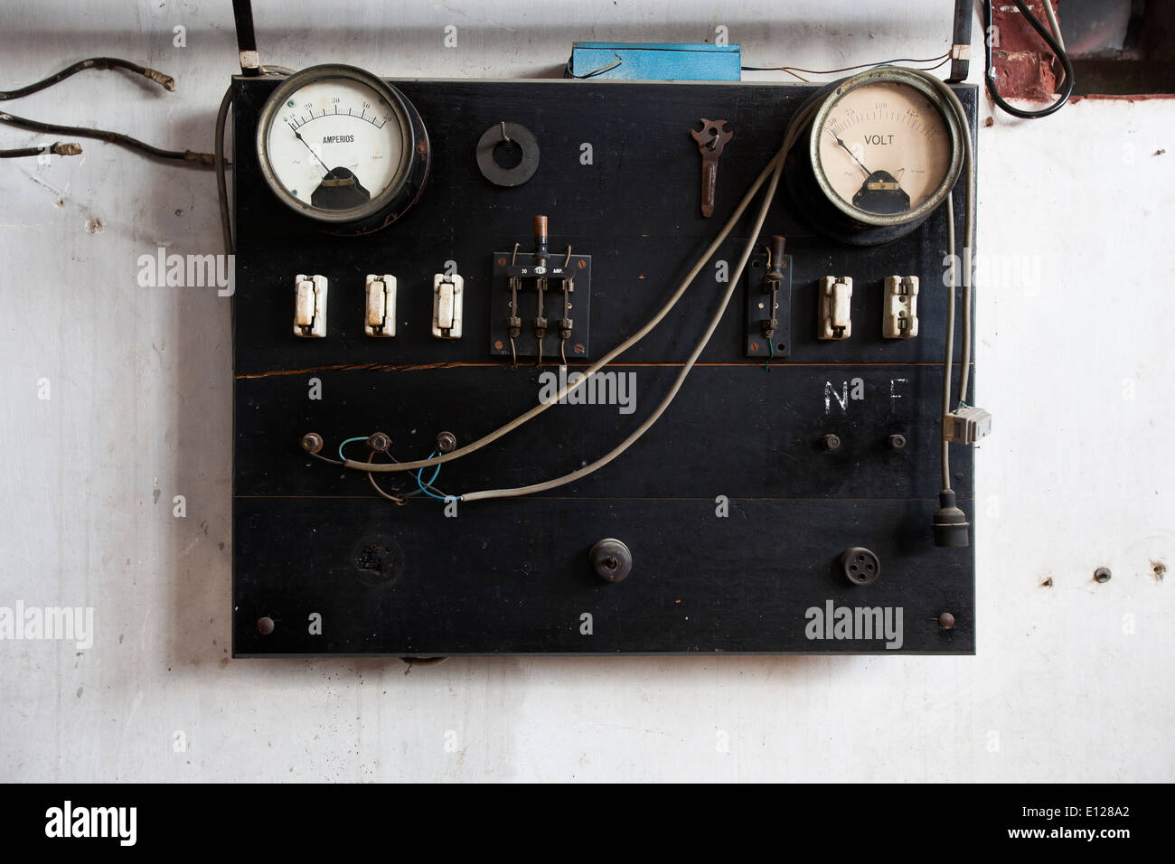 Old Electrical Panel Stockfotos & Old Electrical Panel Bilder - Alamy