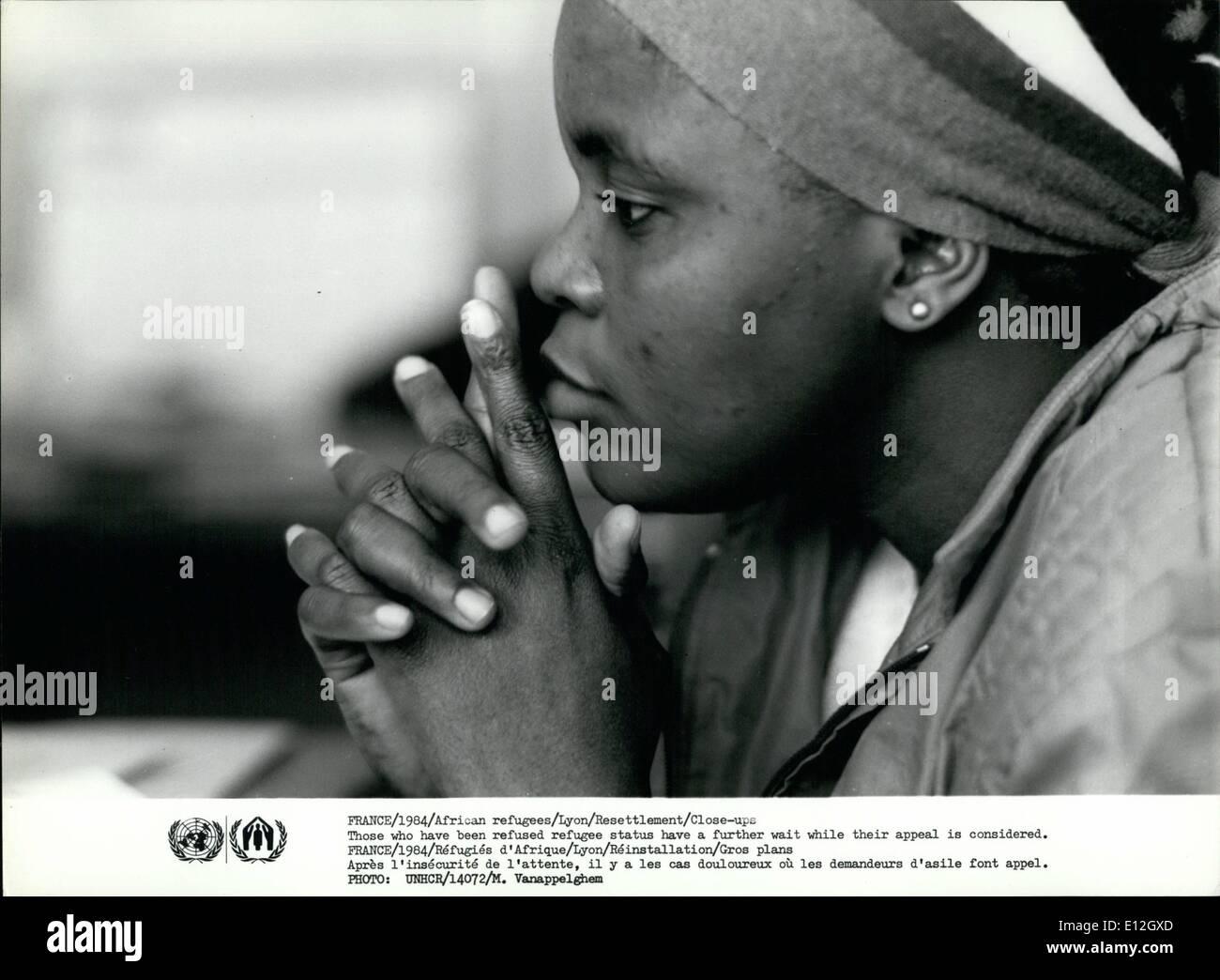 10. Januar 2012 - Frankreich/1984/afrikanische Flüchtlinge/Lyon/Neuansiedlung/Close-ups Wer hat Flüchtlingsstatus verweigert wurde eine weitere Wartezeit während ihrer Beschwerde gilt. Madeleine Robinson, Jean-Louis und Baby Sophie-Julia Jaubert Stockbild