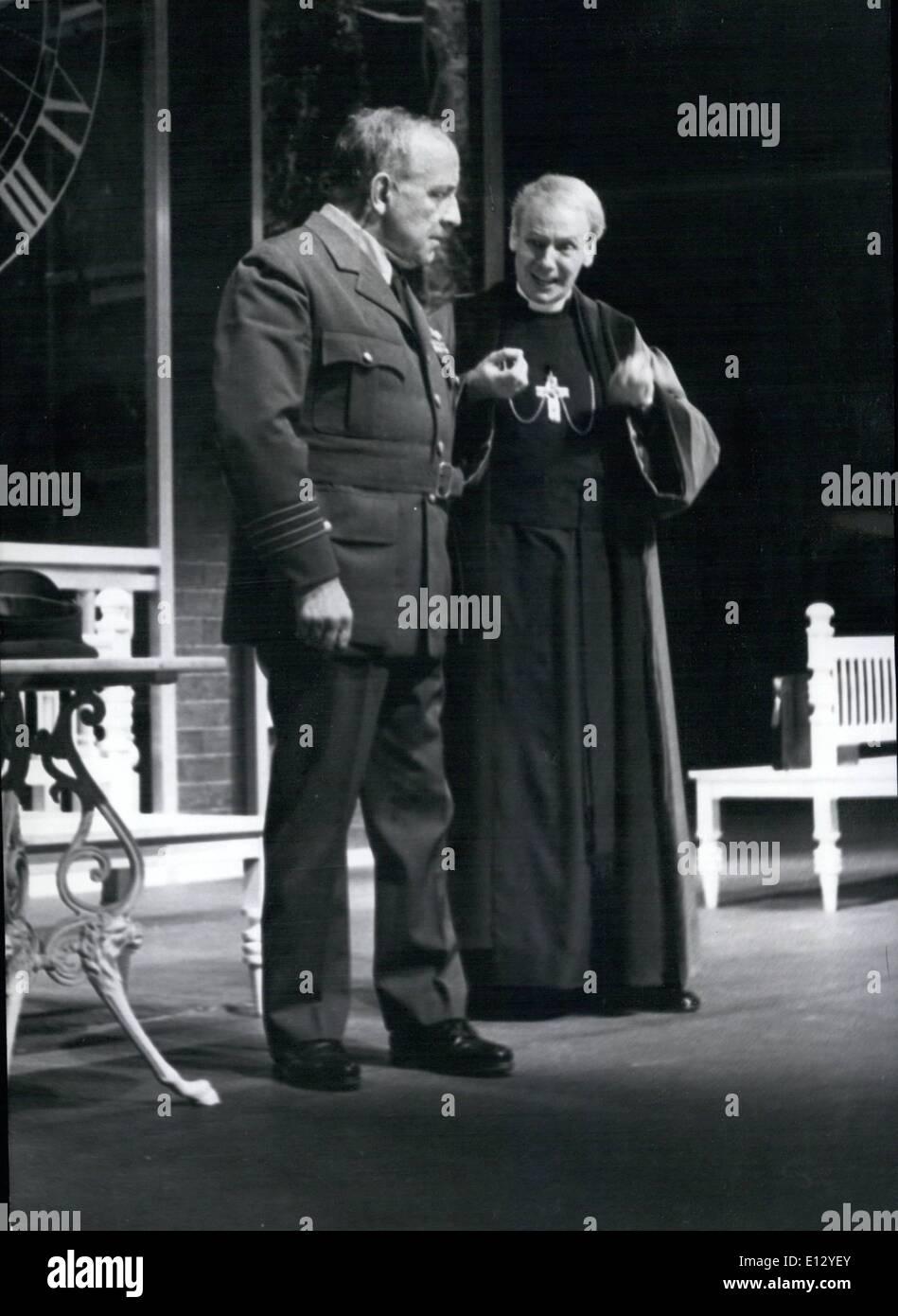 26. Februar 2012 - Welt-Premiere von Hochhuth ist '' The Soldiers'' (Soldaten) in West-Berlin (Hochhuth ist der Autor '' The Deputy'') Stockbild