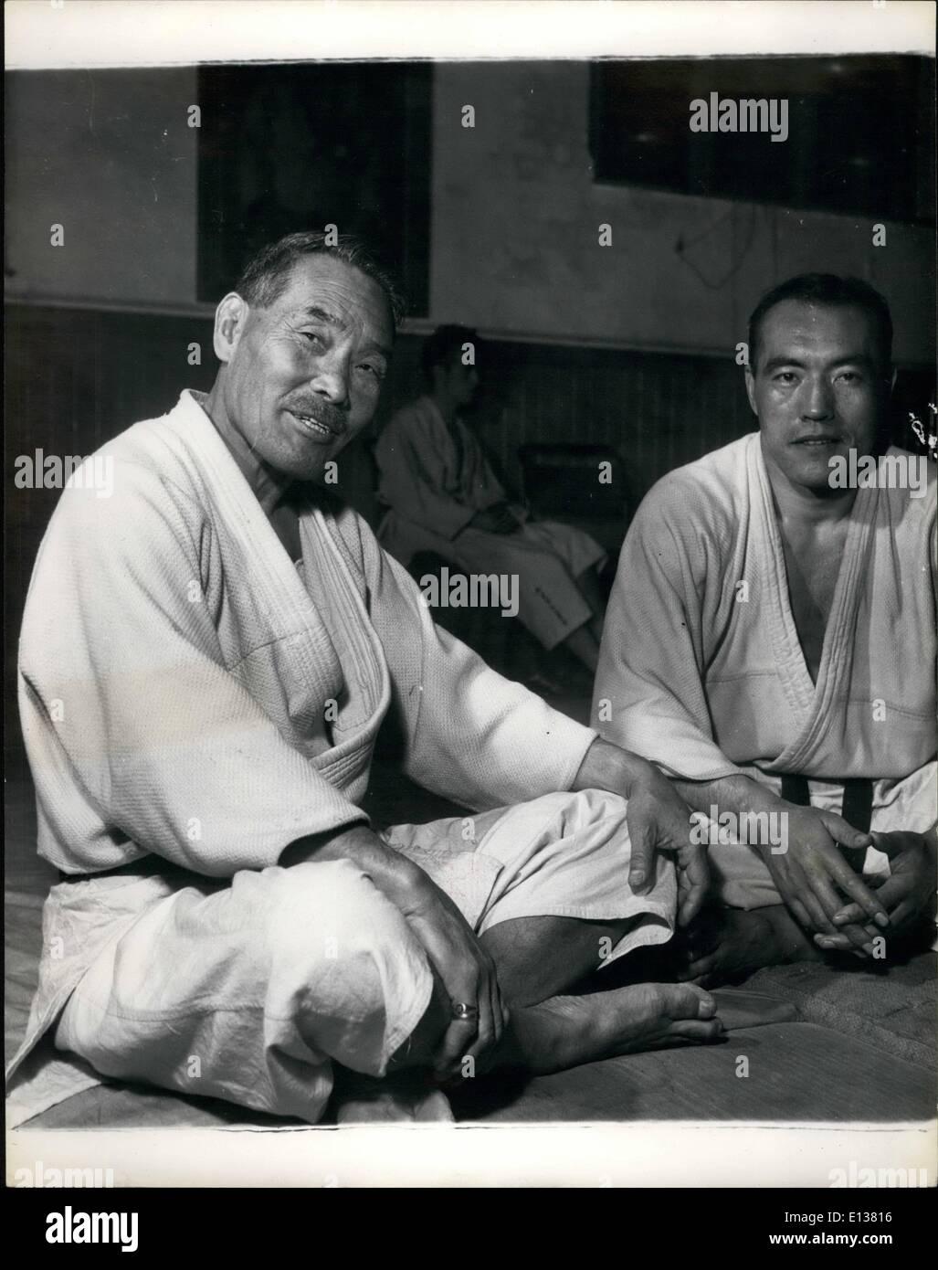 29. Februar 2012 - Lehren japanischen Judo-Experten Londoner Mr, G, Koisumi und Herr T. Kawamura in der neuen Zentrale Stockbild