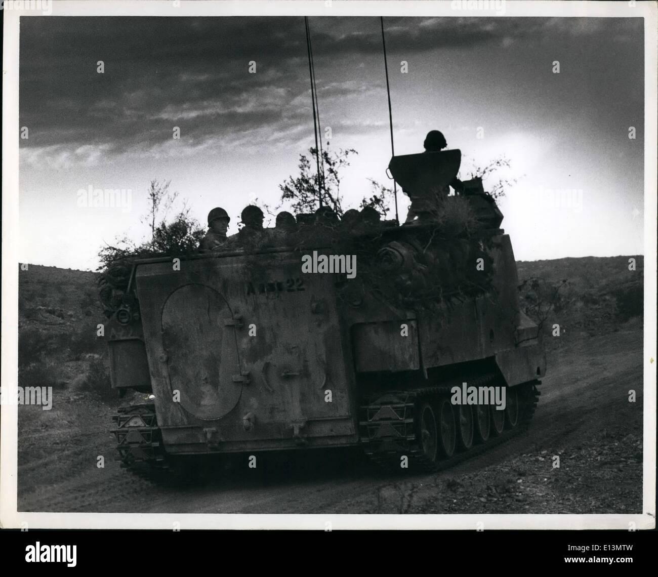 22. März 2012 - 29 Palms California ein Element der 7. Mas Marine Amphibious Bataillon Teil der schnellen Eingreiftruppe, Stockbild
