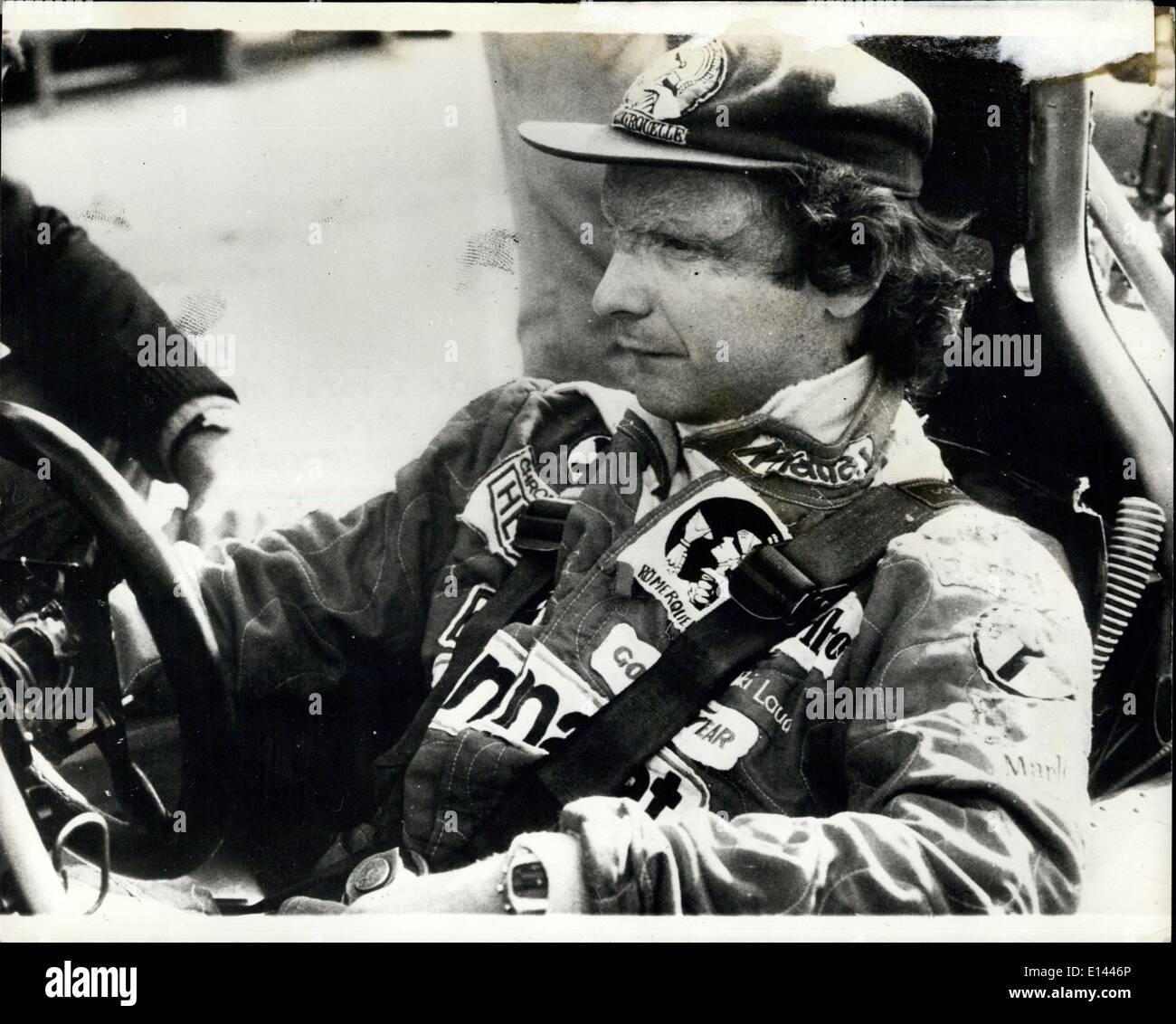 4. April 2012 - Welt Motor Racing Champion Niki Lauda testet Brabham-Alfa: Welt Motor Racing Champion Niki Lauda, der die Welt Motorsport-Titel mit dem Ferrari gewann hat jetzt das Brabham Racing Team beigetreten und war aus Test as neue Modell auf der '' Vallel''-Strecke vor dem Start der Formel 1 Weltmeisterschaften Anfang am Ende dieses Monats. Foto zeigt, dass Niki Lauda in der Brabham-Alfa bei Testfahrten auf der Rennstrecke Vallelunga Italien eingesetzt. Stockbild