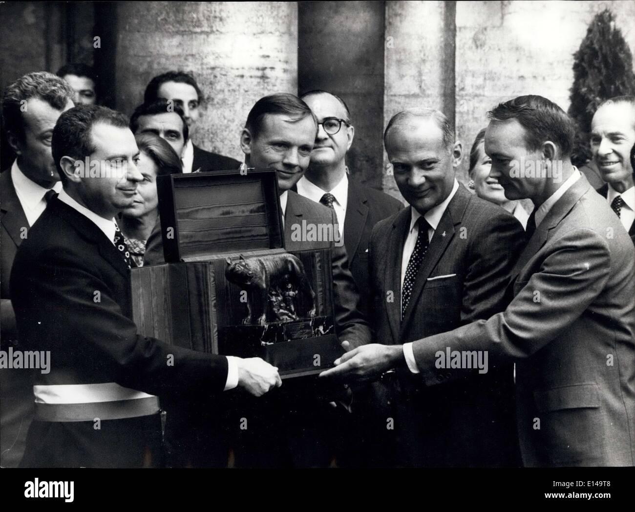 17. April 2012 - Thevisit von der amerikanischen Spaceman in Rom: Neil Armstrong, Edwin Aldrin und Michael Collins, der Pacemen von der Stockbild