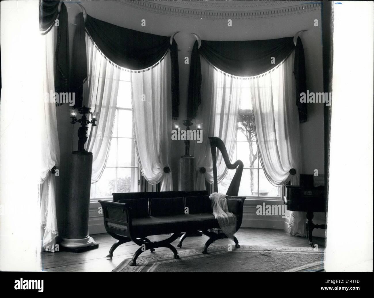 18. April 2012 - elegante Zimmer im Stil Greek Revival in Amerika im frühen 19. Jahrhundert populär. Ein Stockbild