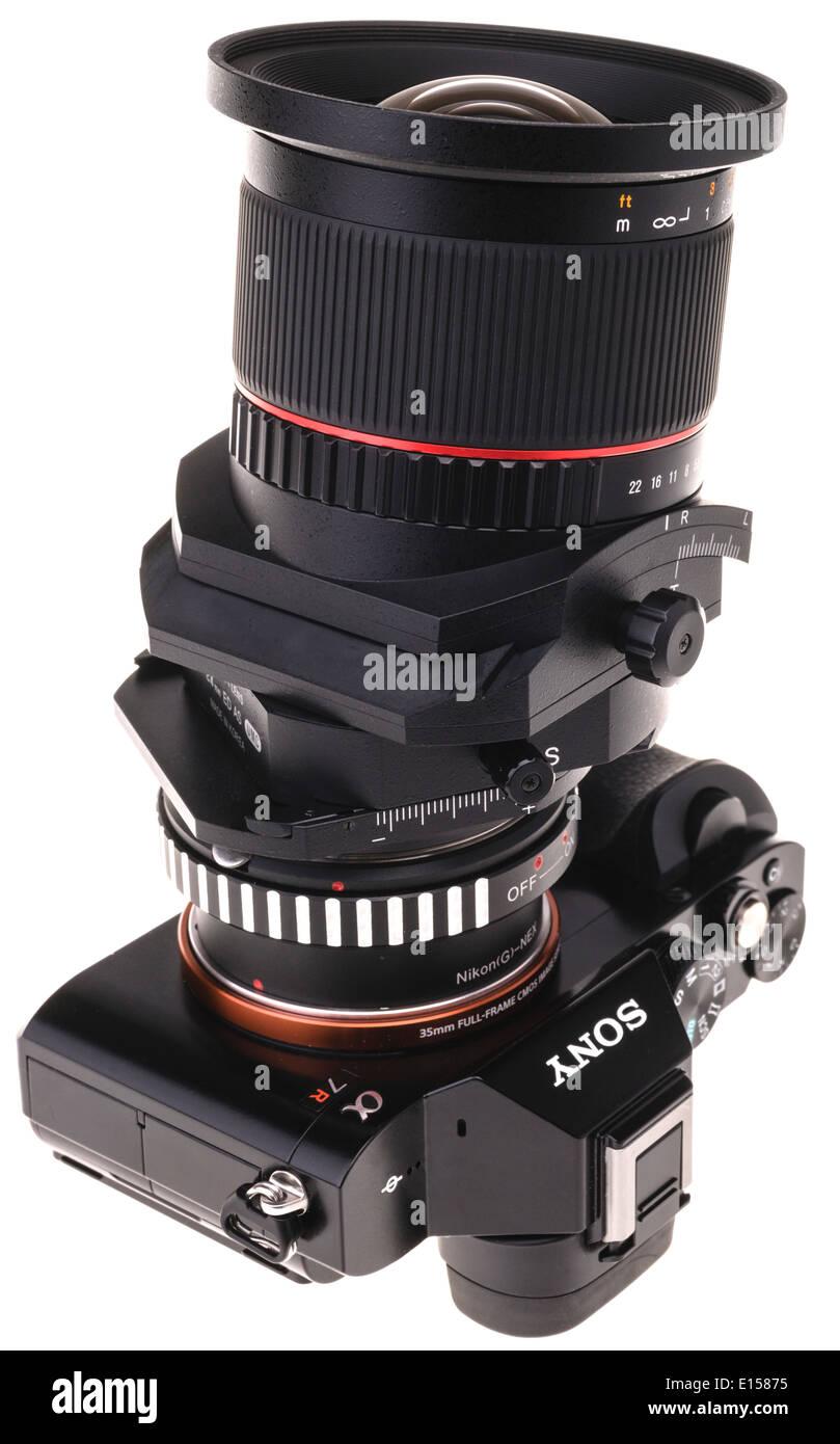 Samyang 24mm Tilt-Shift-Objektiv auf Sony A7R Stockfoto, Bild ...