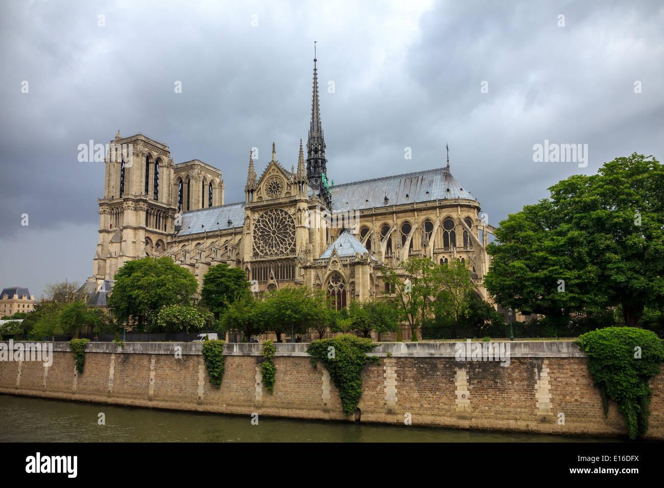 Die südliche Fassade der Kathedrale von Notre Dame de Paris Stockfoto