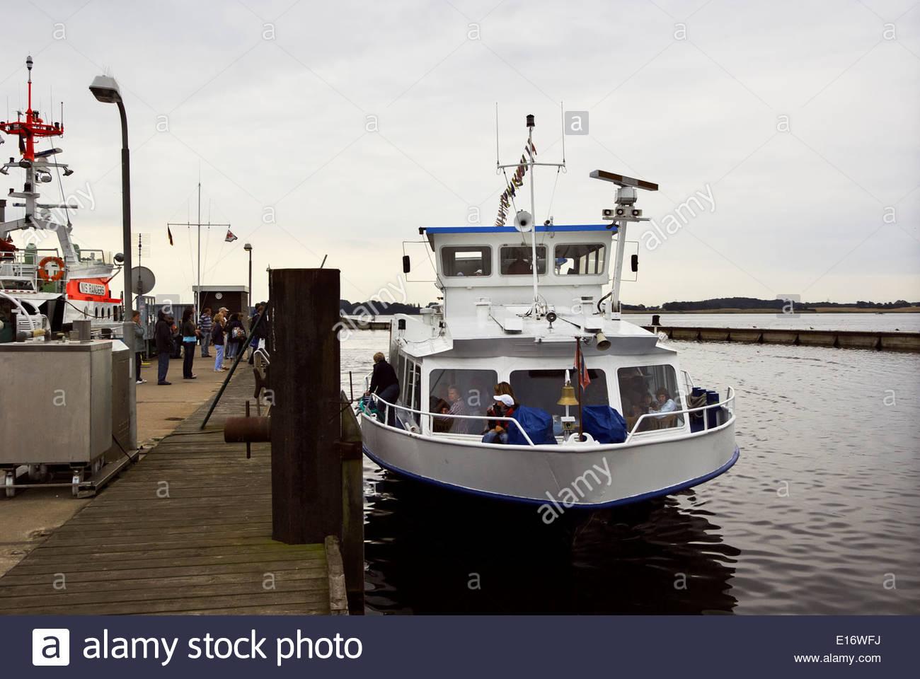 Die MS Stadt Kappeln anschickt, Maasholm Hafen für einen Ausflug auf die Schlei, mit Schleswig zum Zielort Stockbild