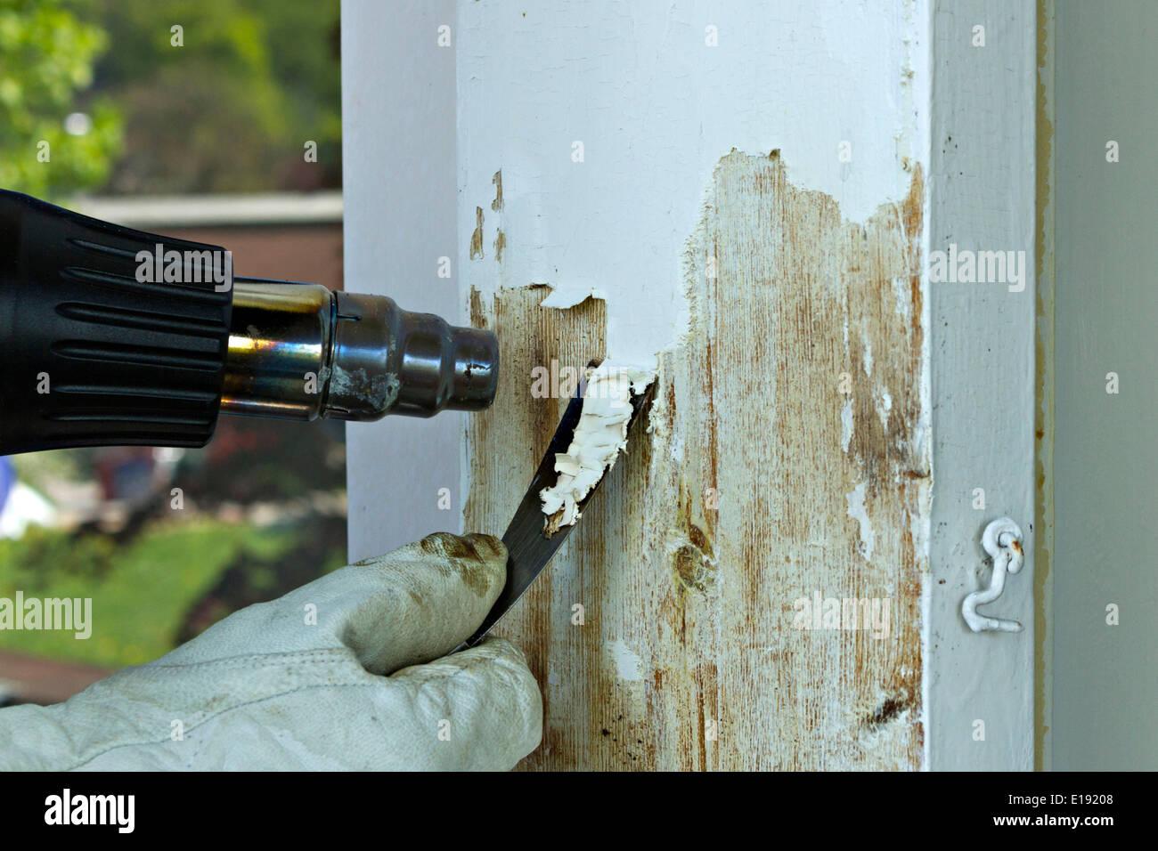 Malen Sie im April 2014 aus Holzrahmen mit Schaber und Wärme Waffe ...