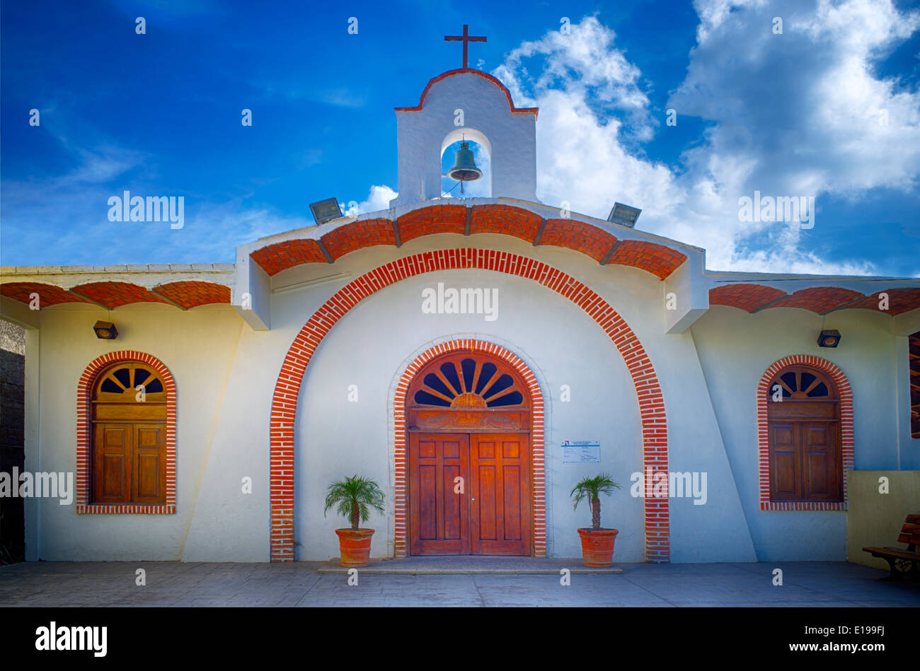 Kirche in Sayulita, Mexiko. Cuasiparroquia de Nuestra Senora de Guadalupe Stockbild