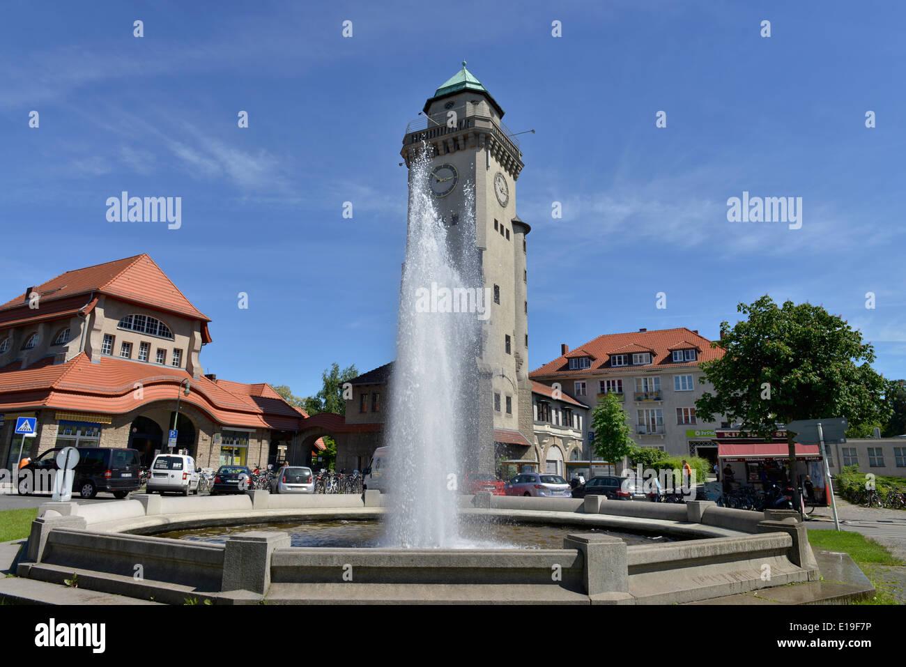 Brunnen, Casinoturm, Ludolfingerplatz, Frohnau, Berlin, Deutschland Stockbild