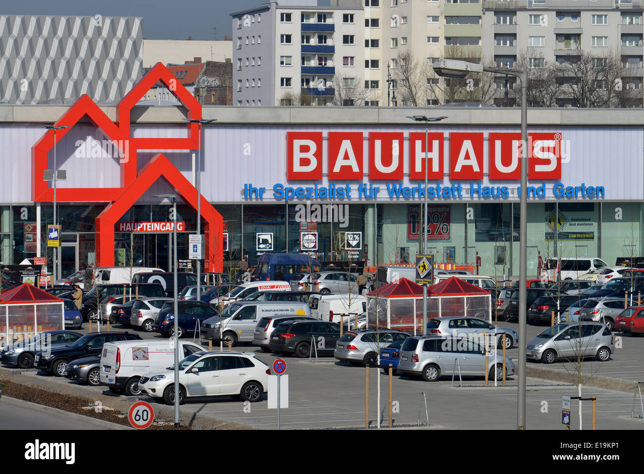 bauhaus logo stockfotos bauhaus logo bilder alamy. Black Bedroom Furniture Sets. Home Design Ideas