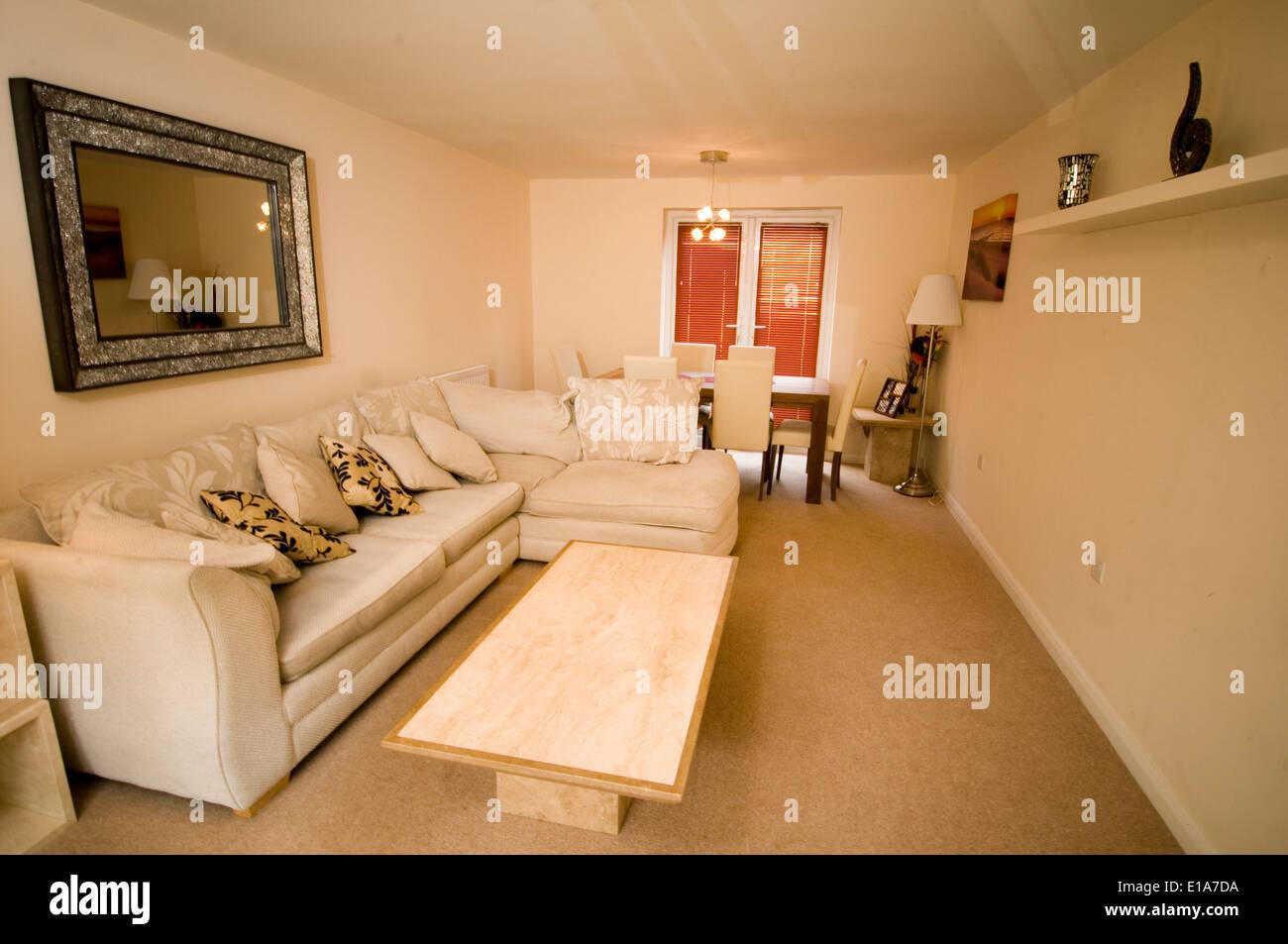Moderne Durchschnittliches Hausdekoration Verziert Durchschnittliche  Typische Uk England Englisch Britisch Häuser Zimmer Innen Mittelklasse Hom