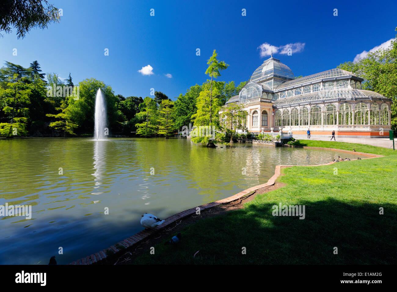 Ansicht des Crystal Palace im Buen Retiro Park in Madrid Spanien Stockbild