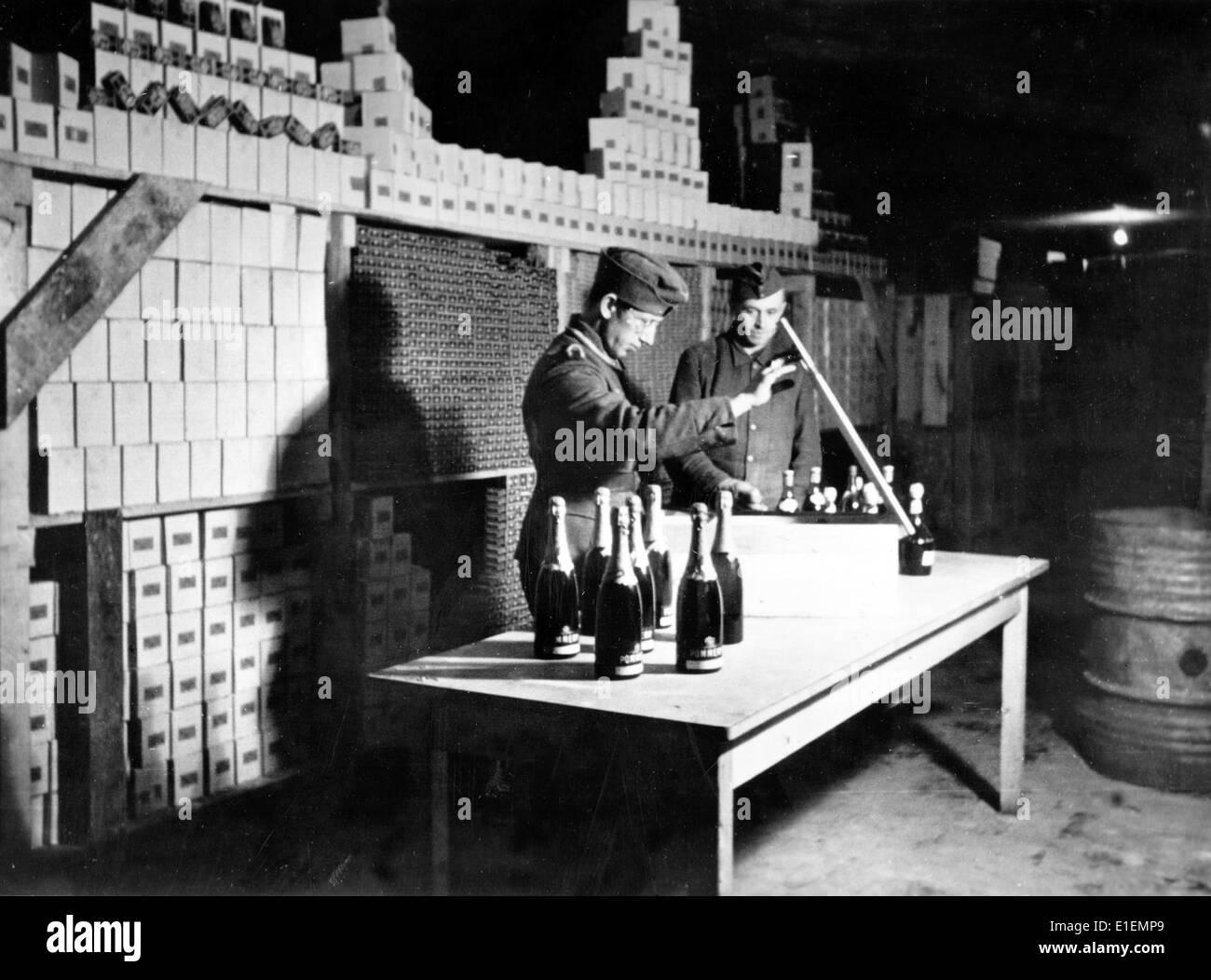 versorgungslager f r weihnachten pakete f r soldaten der deutschen wehrmacht an der ostfront f r. Black Bedroom Furniture Sets. Home Design Ideas