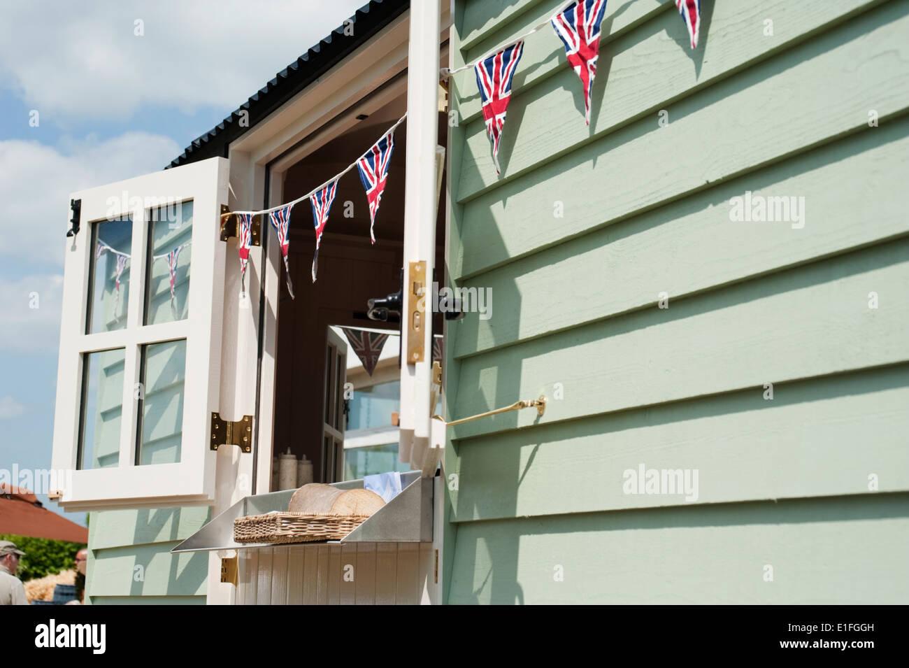 Die Daylesford Sommerfestival auf ihren Hofladen in der Nähe von Kingham, Gloucestershire, England, UK. Stockbild