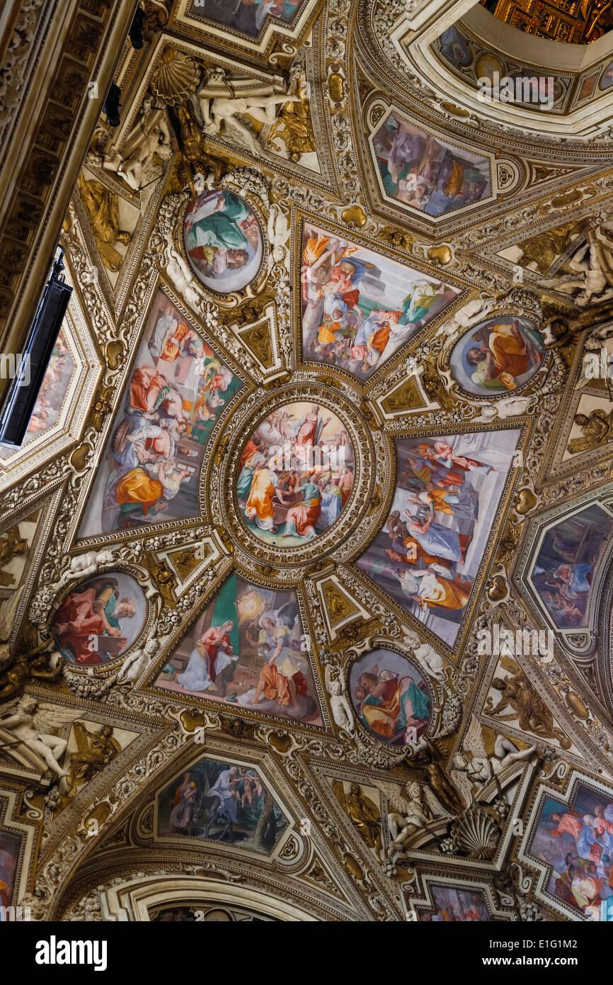 Rom, Italien. Basilica di Santa Maria in Trastevere. Decke der Kapelle Altemps. Stockbild