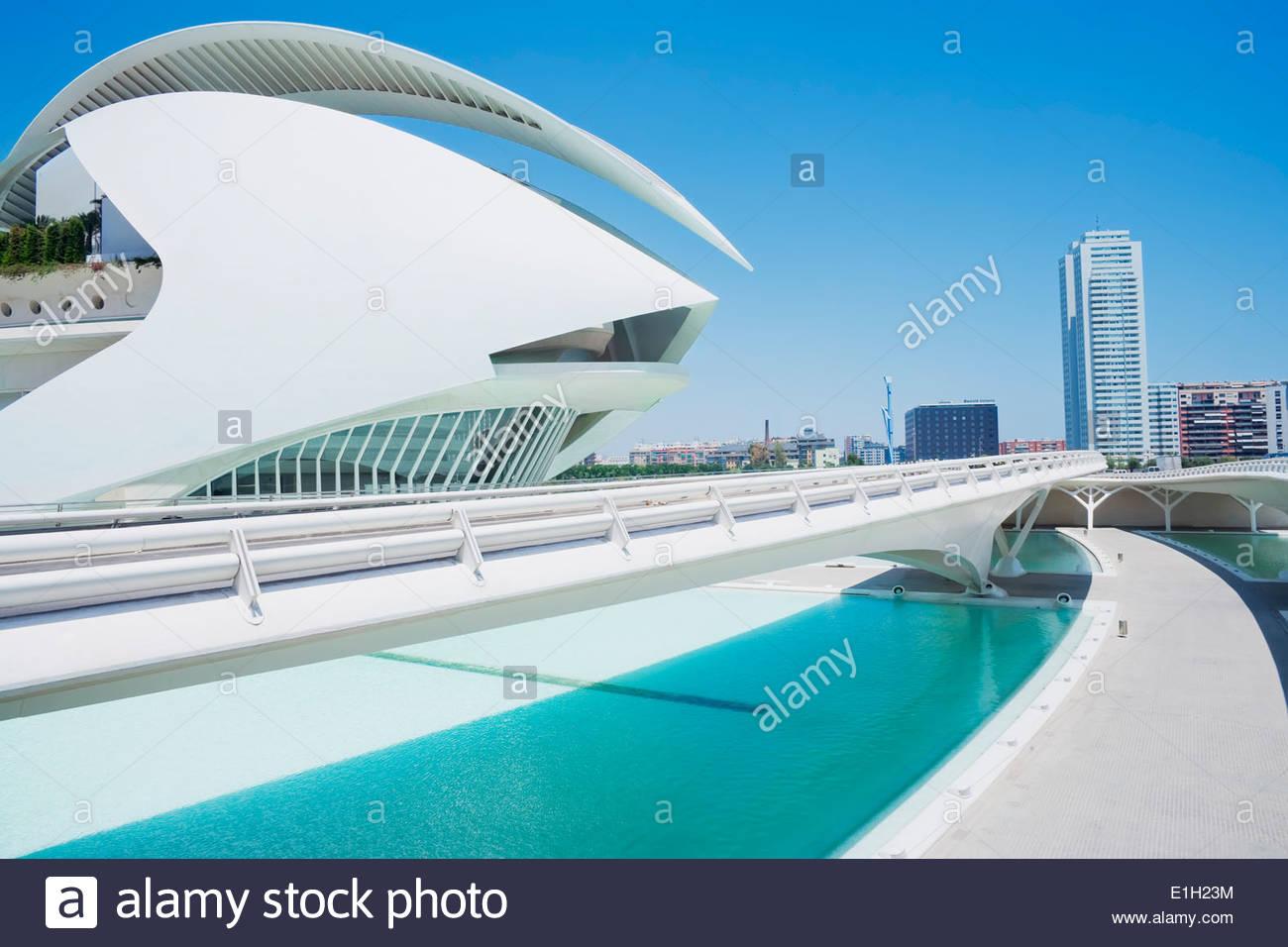 Fußweg zur Stadt der Künste und Wissenschaften, Valencia, Spanien Stockbild