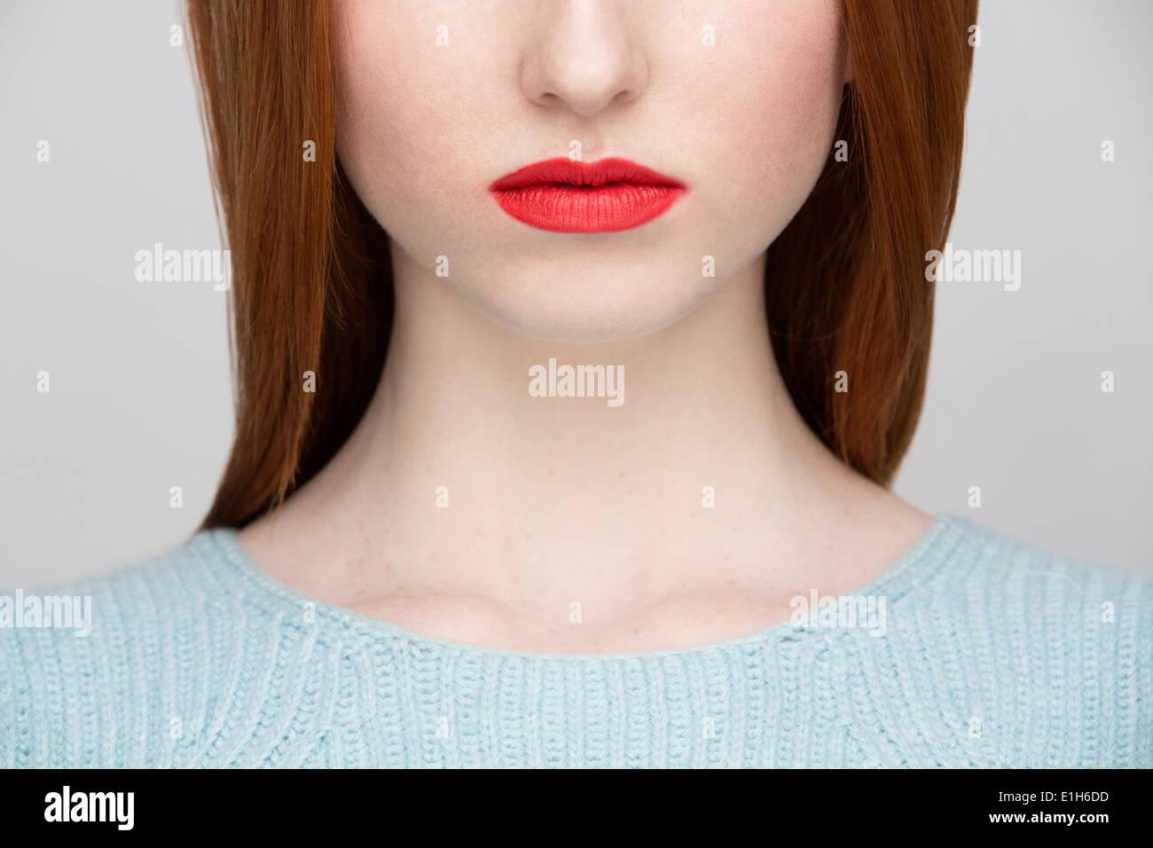 Zugeschnittenes Bild junge Frau Lippen Stockbild