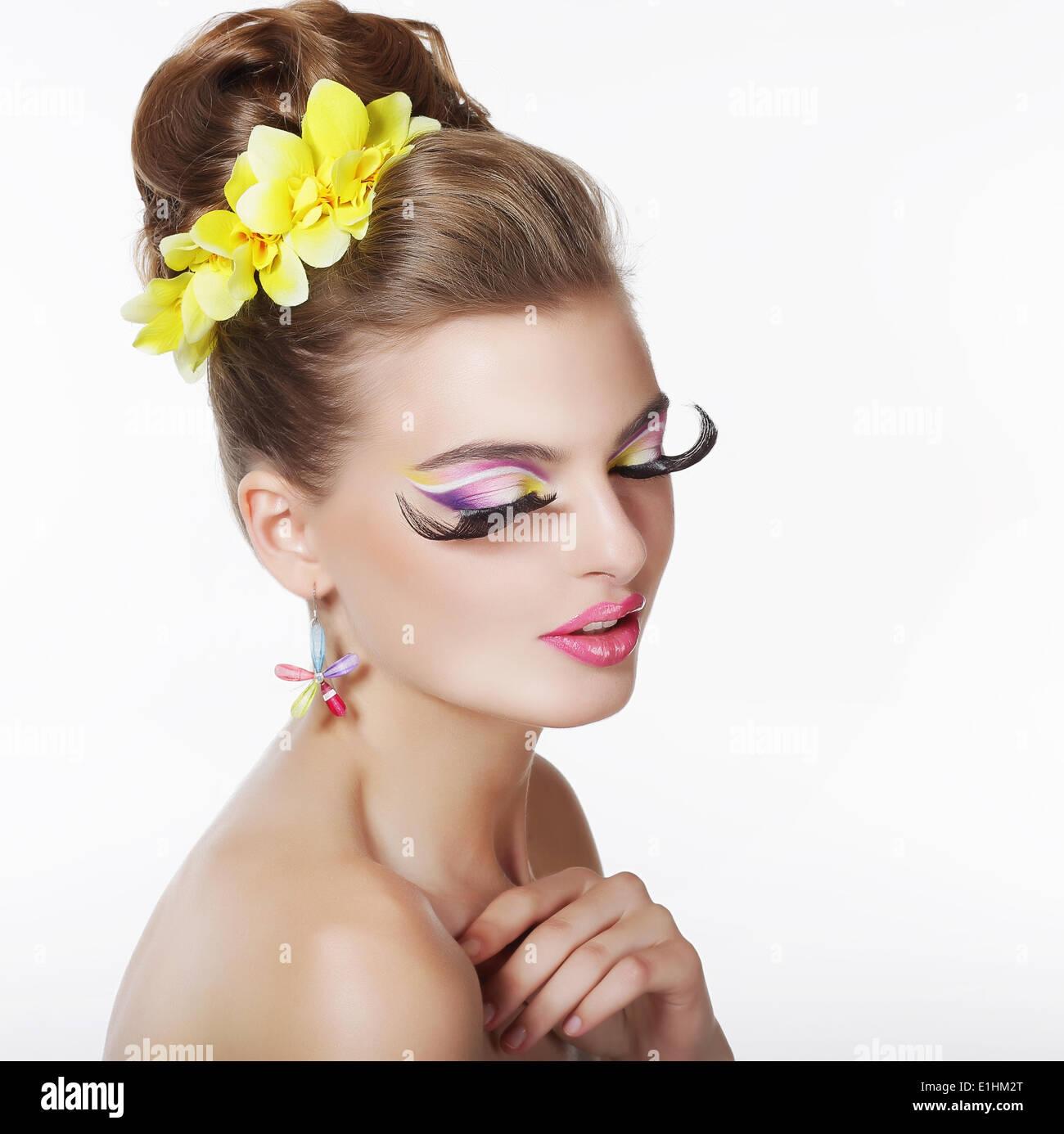 Kreativität. Portrait von Fancy-Frau mit lange falsche Wimpern Stockbild