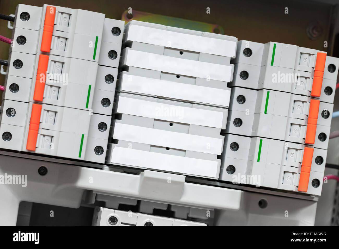 Ungewöhnlich Elektrische Schalttafel Zeitgenössisch - Elektrische ...