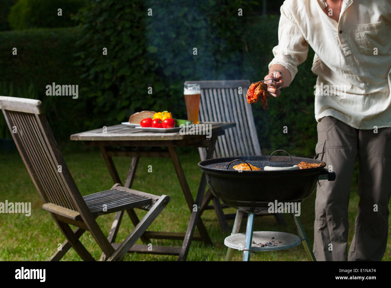 BBQ im Garten Stockbild