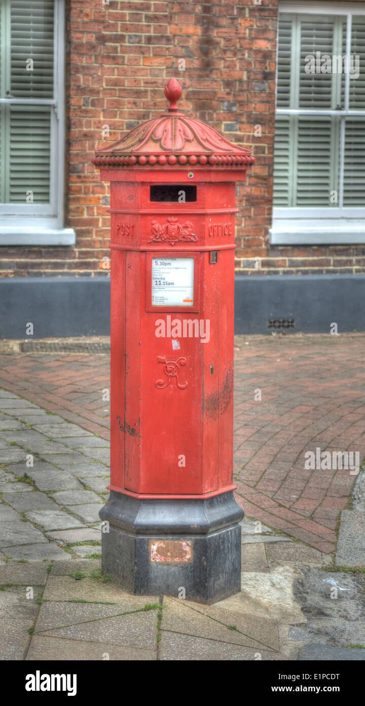 Viktorianischer Briefkasten Englischer Briefkasten Stockfoto Bild