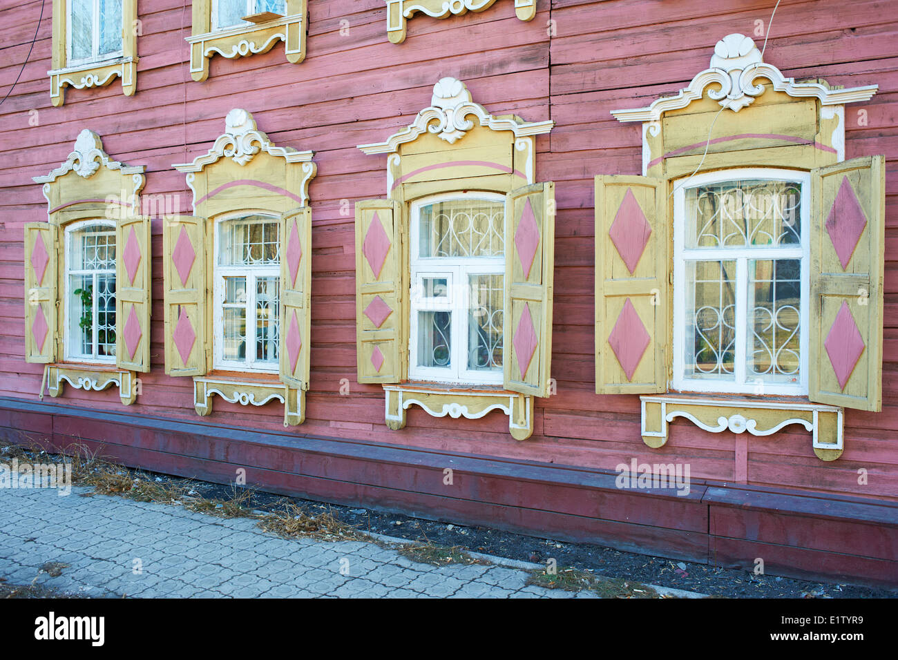 Russland, Sibirien, Irkutsk, Holzarchitektur Stockbild