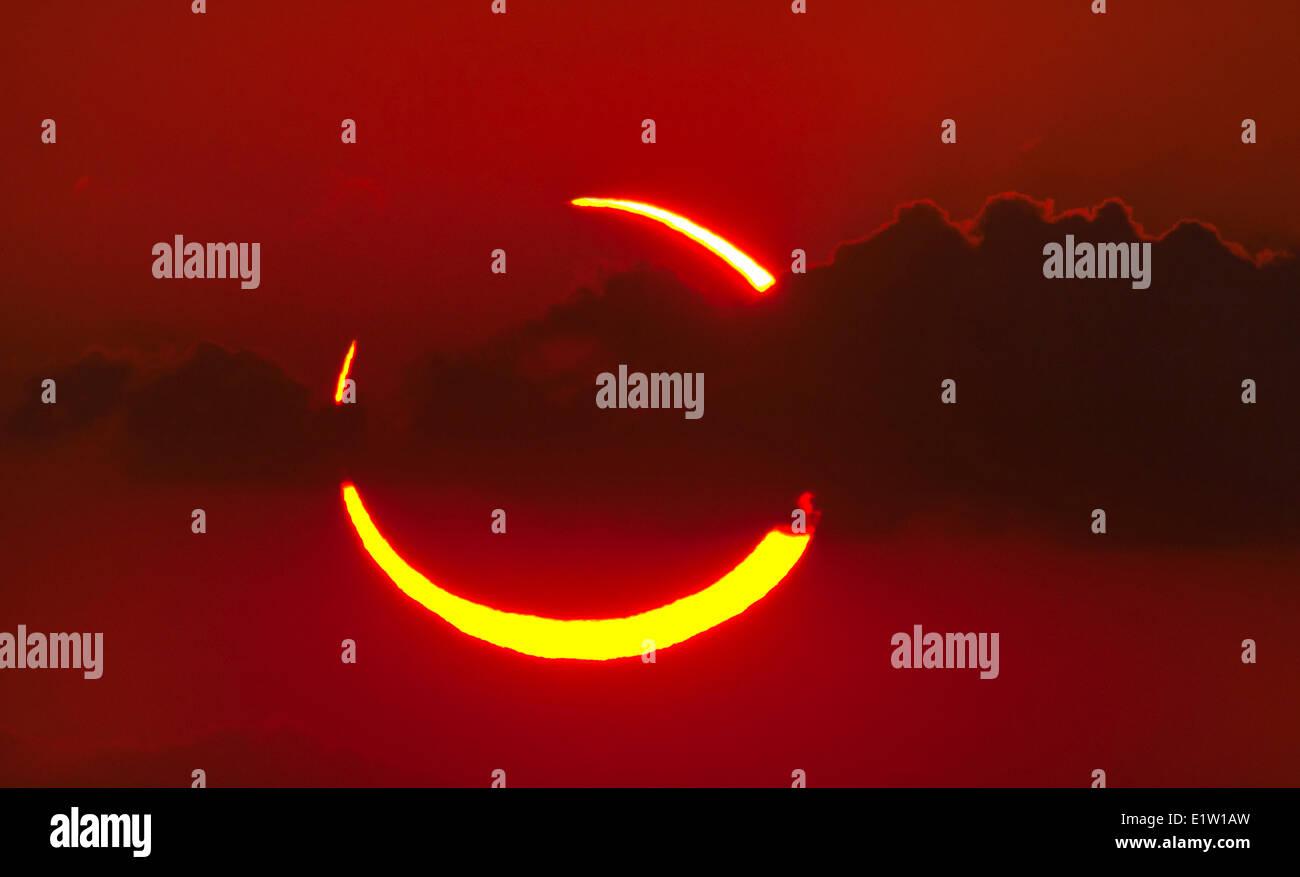 Ringförmige Sonnenfinsternis vom 20. Mai 2012. Fotografiert bei Sonnenuntergang von West-Texas. Stockbild