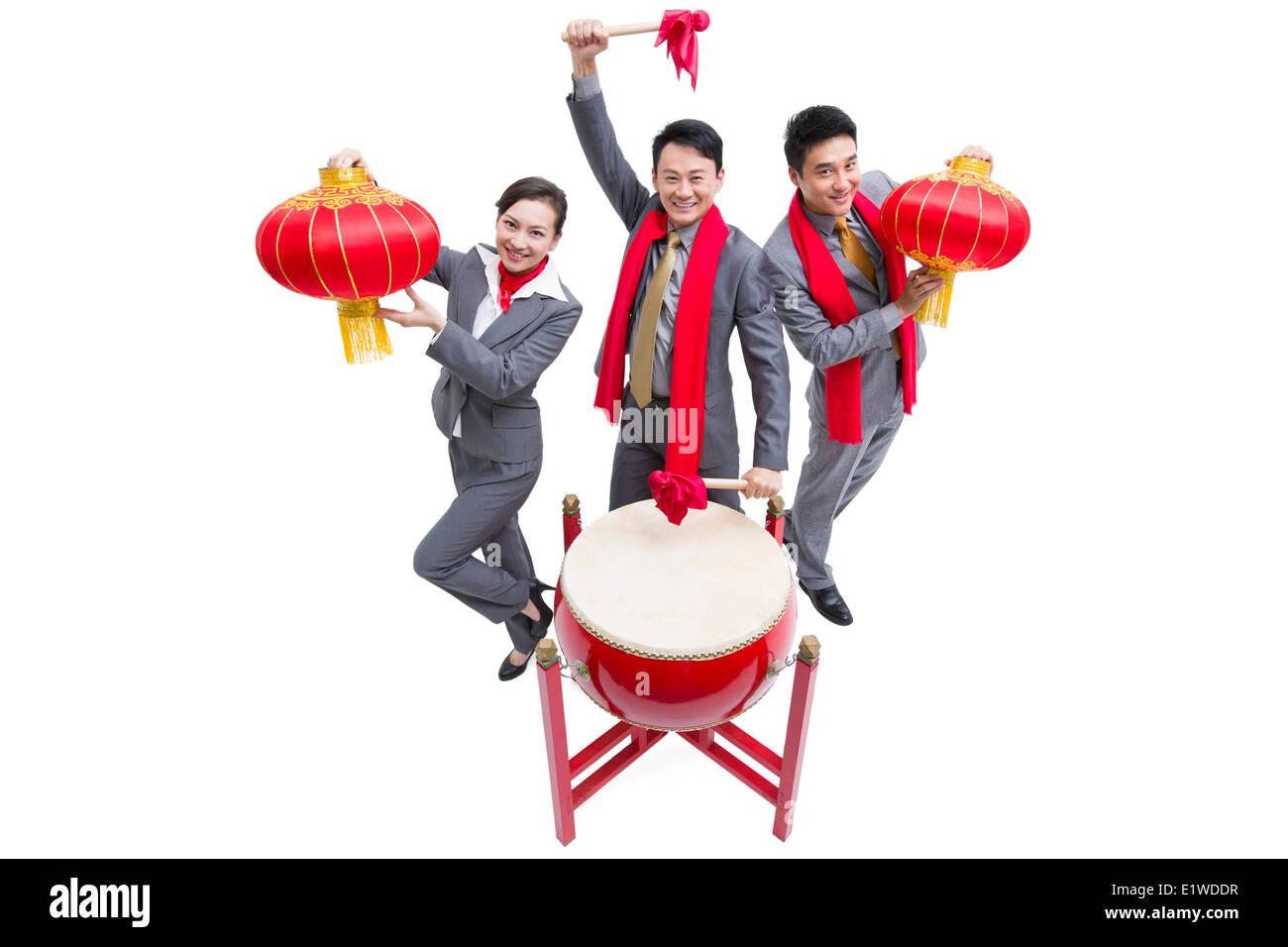 Fröhlichen Kollegen feiern Chinese New Year Stockfoto, Bild ...