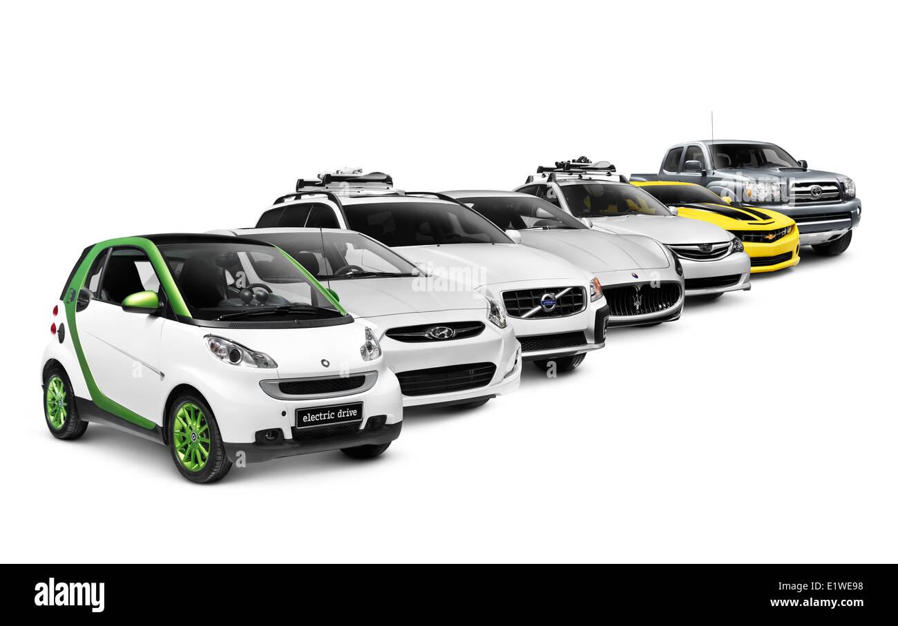 Reihe von verschiedenen Autos elektrisch, kompakt, LKW, Sportwagen, SUV und Luxus auf weißen Hintergrund isoliert Stockbild