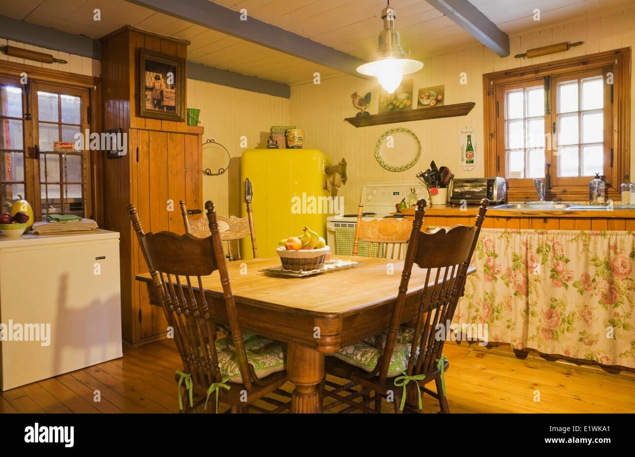 Fabulous Antiker Tisch Stühle Möbel in der Küche eine alte Canadiana (ca XR55