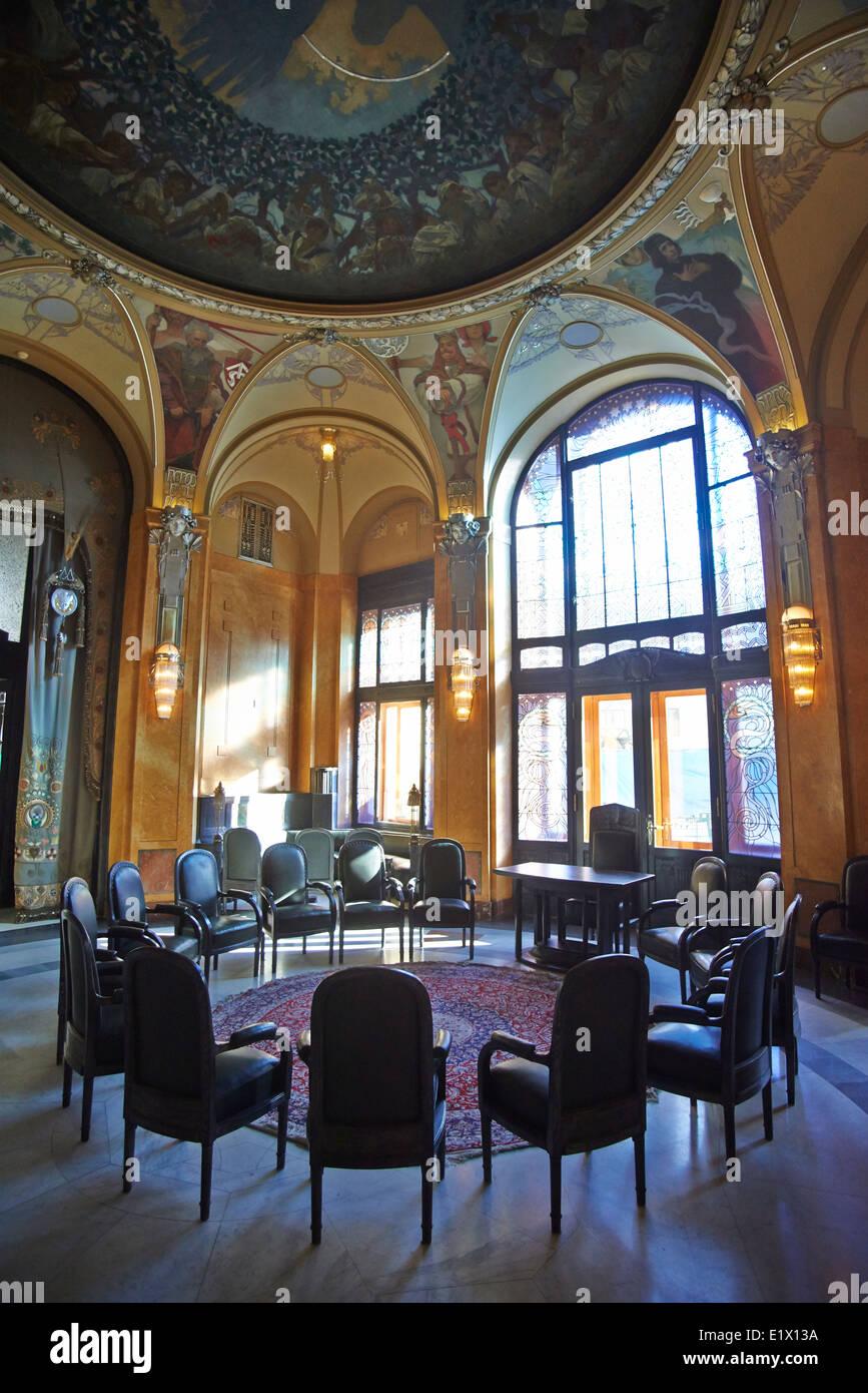 Decke Dekoration (Wandmalereien) in der Halle des Oberbürgermeisters im Gemeindehaus von Alfons Mucha (Jugendstil), Stockfoto