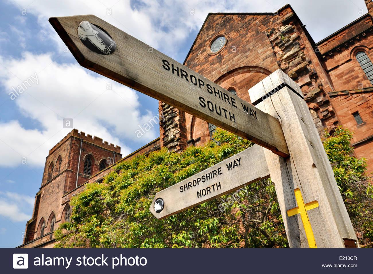 Bohnenstroh Shropshire Weg Finger an der Abteikirche in Shrewsbury, Shropshire, UK Stockbild