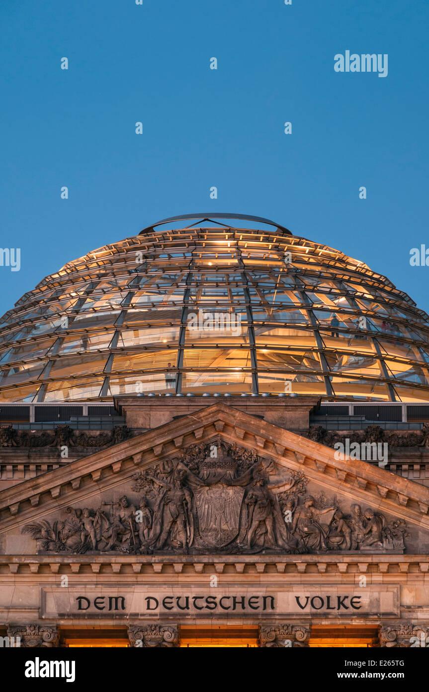 Reichstag Gebäude und Kuppel Berlin Deutschland Stockbild