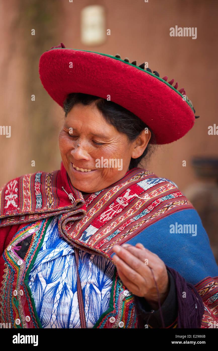 Peru Frau Tracht Stockfotos und -bilder Kaufen - Alamy