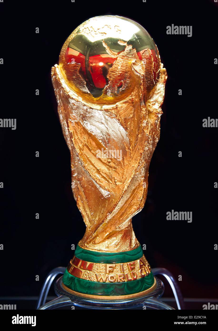 Fussball Wm Pokal Stockfoto Bild 70278526 Alamy