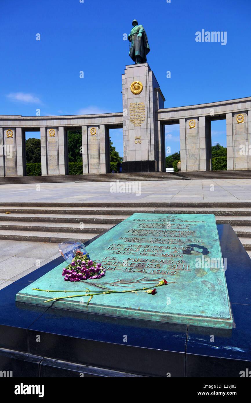 Sowjetischer Krieg-Denkmal, Tiergarten, Berlin, Deutschland Stockfoto