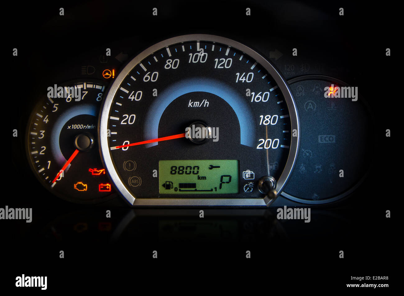 Armaturenbrett auto  Auto-Armaturenbrett-Display-Anzeige Stockfoto, Bild: 70320748 - Alamy