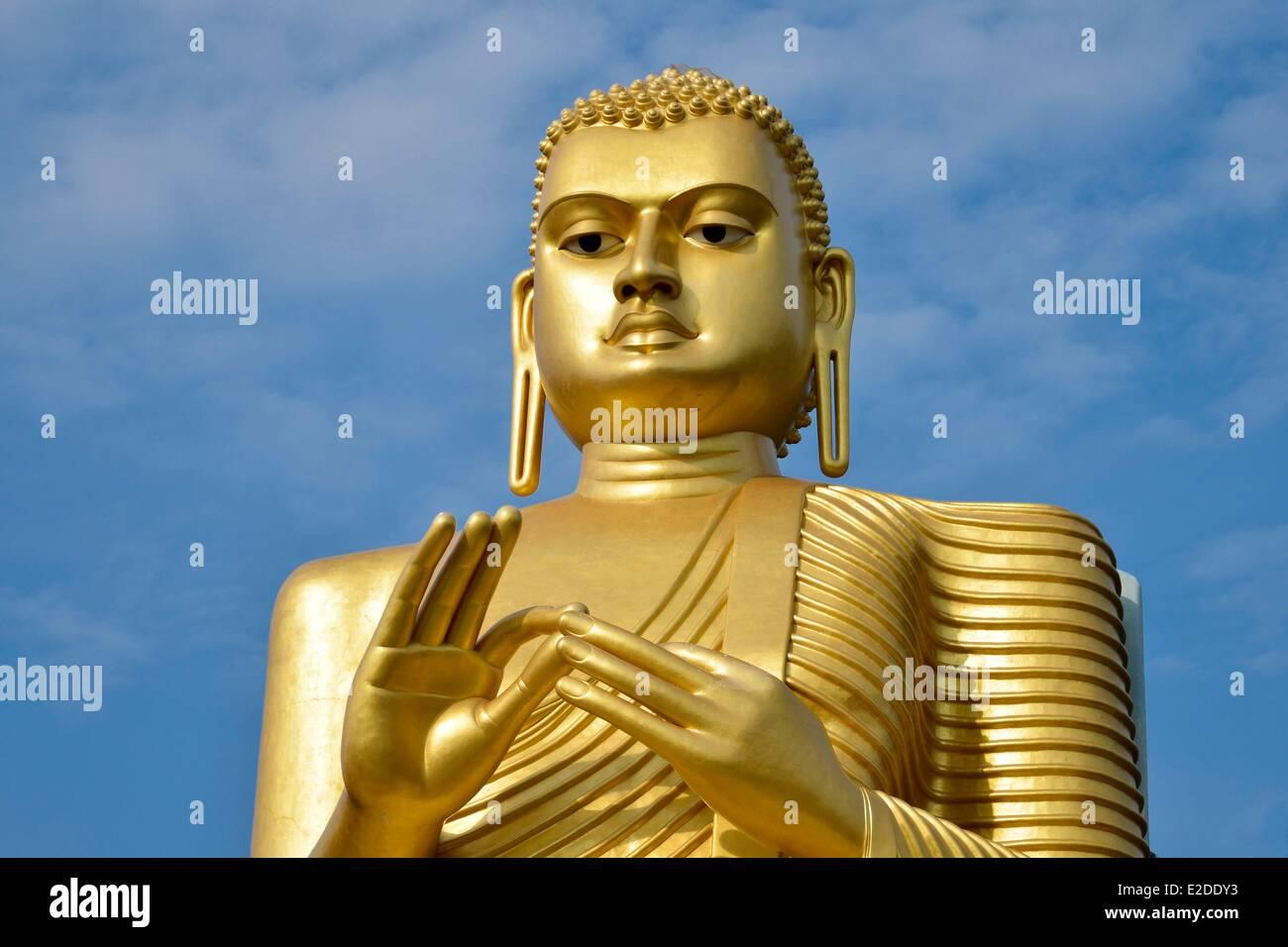 Sri Lanka zentralen Provinz Matale Bezirk Dambulla Statue des großen Buddha überzogen mit Blattgold Stockbild
