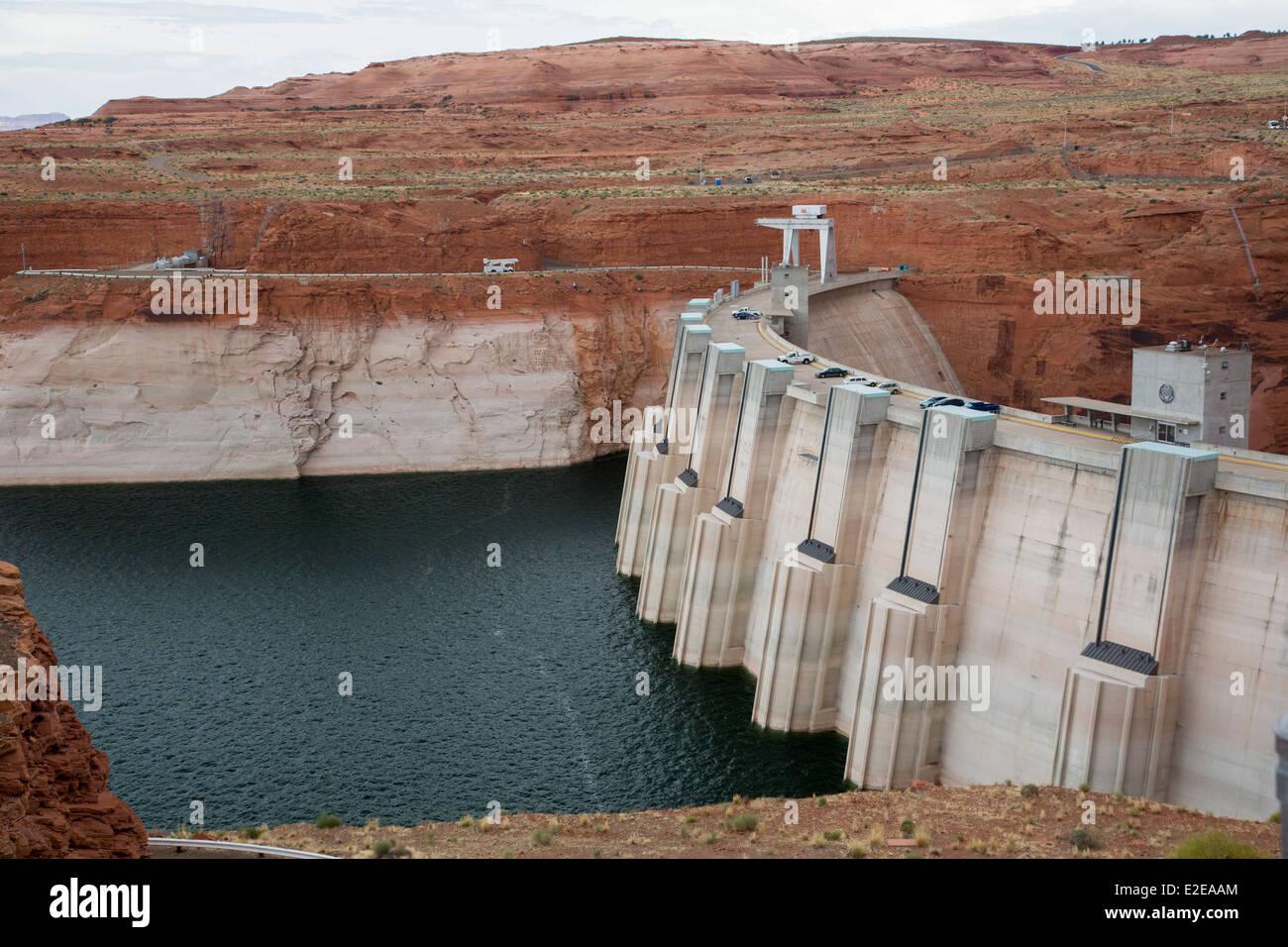 """Badewanne Ring"" am Lake Powell am Glen Canyon Dam zeigt Auswirkungen der Dürre Stockbild"