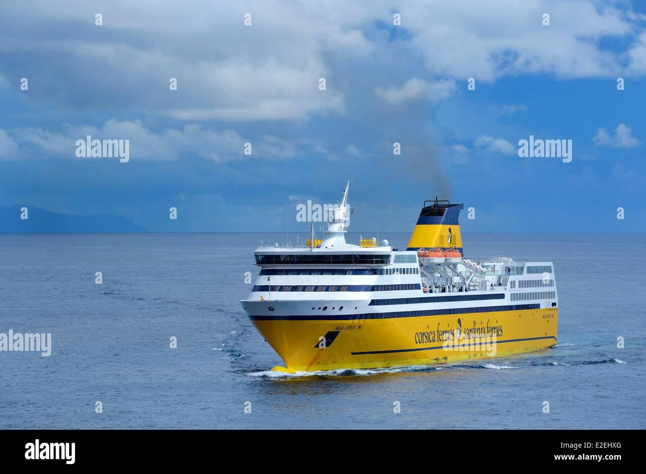 Frankreich, Haute Corse, Bastia, Ankunft im Hafen von Corsica Ferries Fähre Stockbild