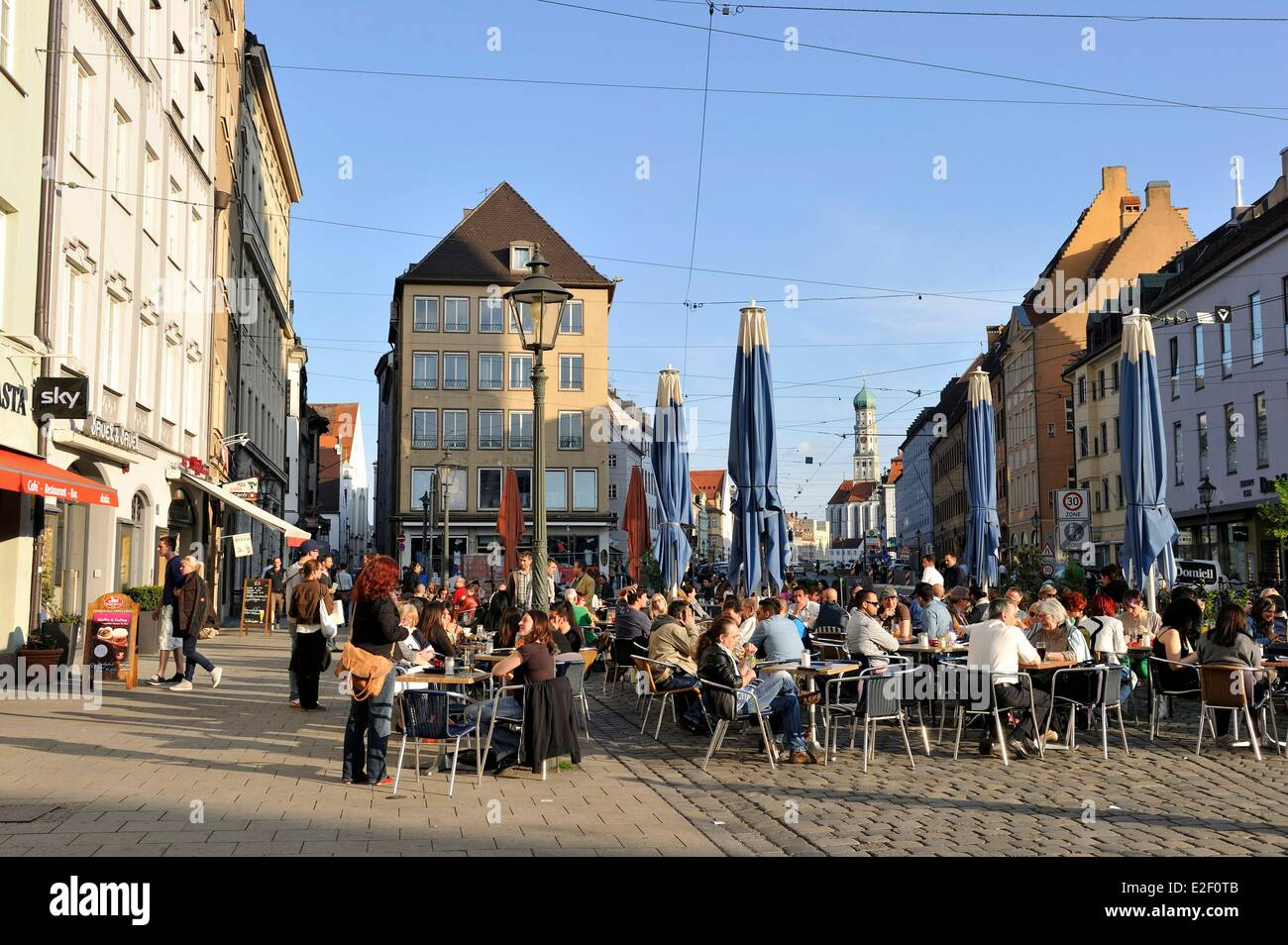 deutschland bayern augsburg maximilianstra e stockfoto bild 70400747 alamy. Black Bedroom Furniture Sets. Home Design Ideas