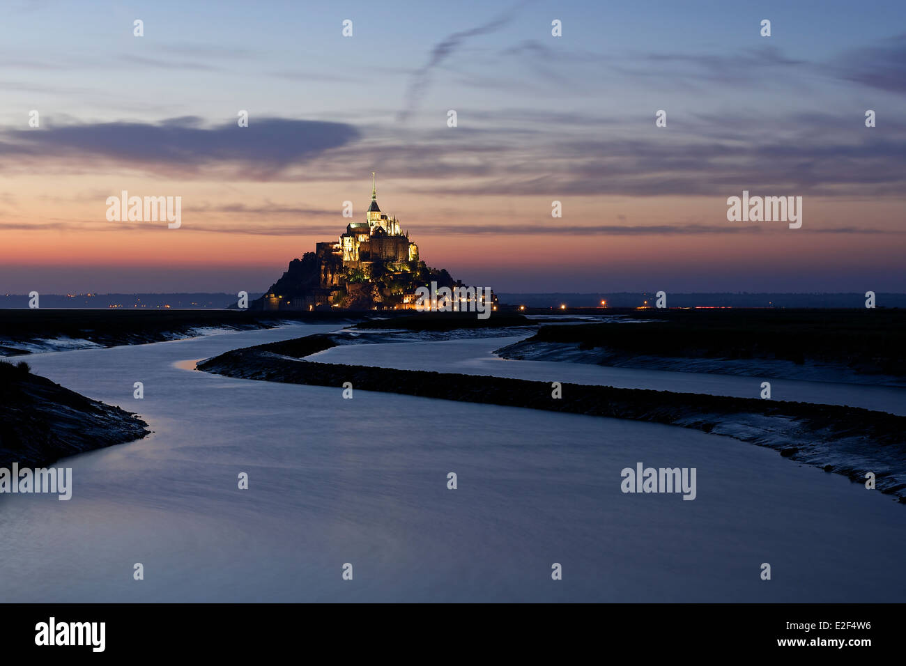 Sonnenuntergang am Mont Saint Michel Stockfoto