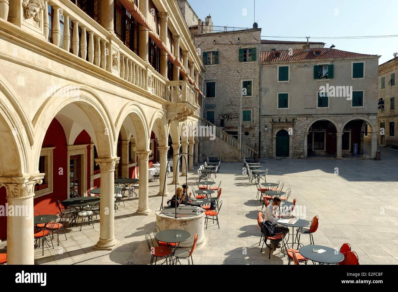 Kroatien, Dalmatien, Dalmatien, Sibenik, alte Rathaus in der Altstadt Stockbild